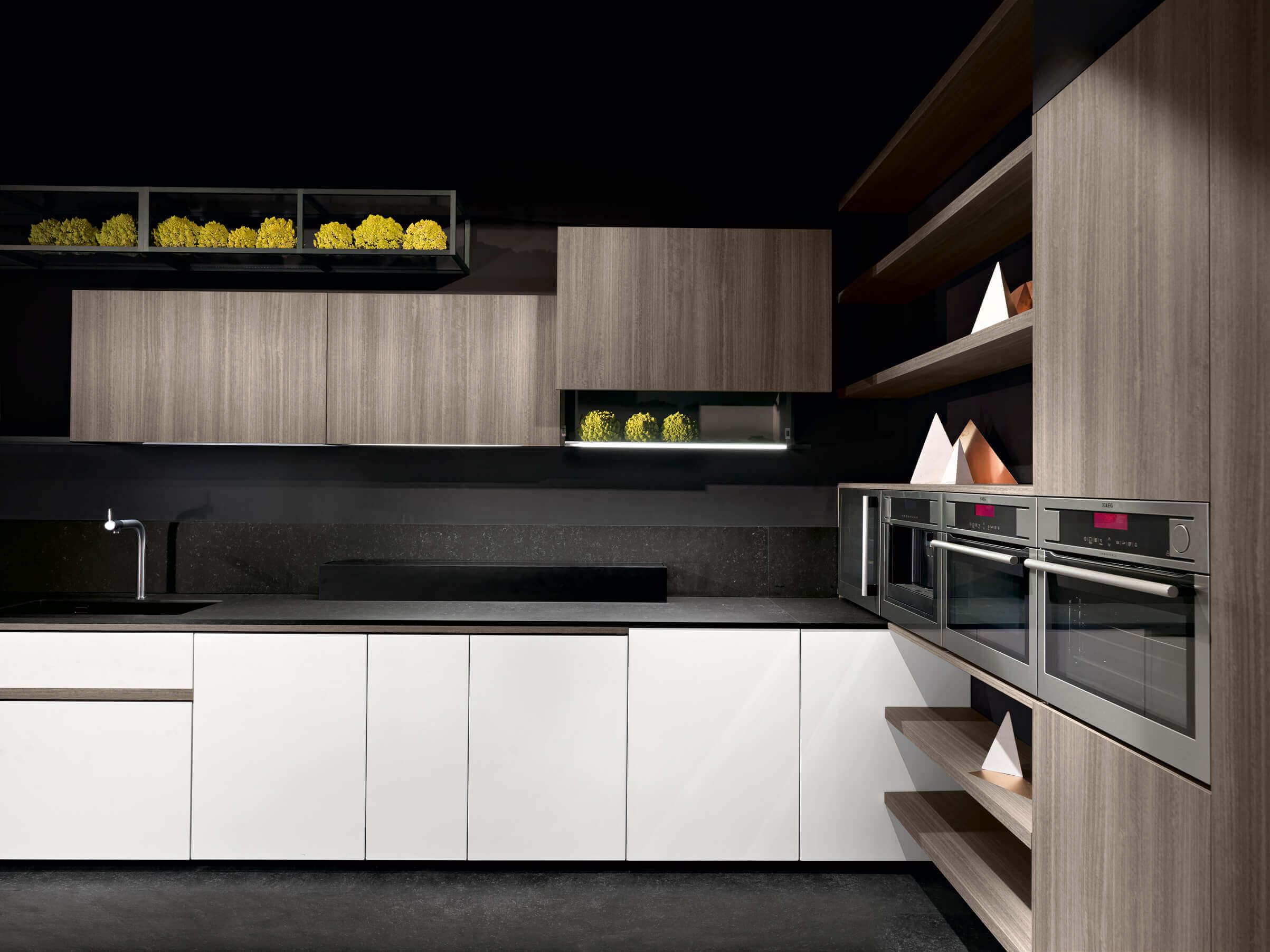 Kitchen cabinets quality and modern kitchens by mef in for Contemporary kitchen cabinets los angeles